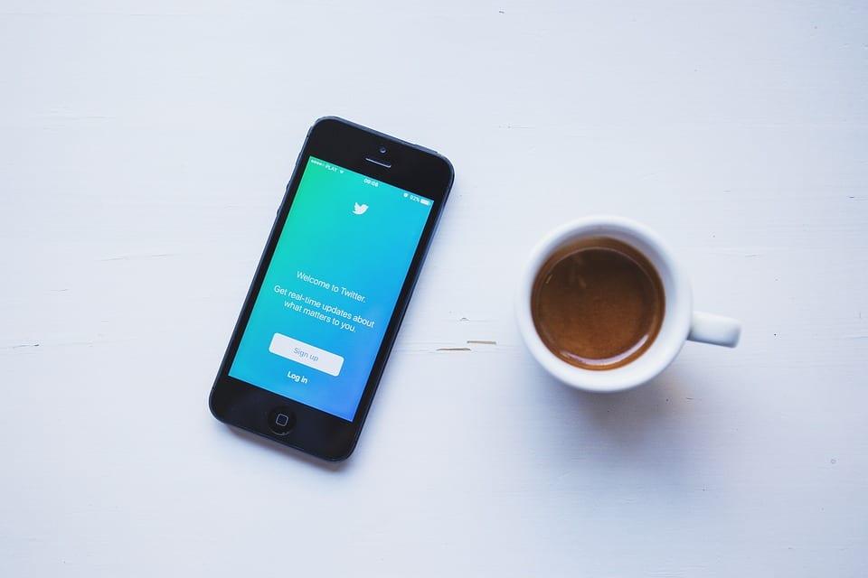 Les contenus visuels publiés sur Twitter doivent respecter les tailles recommandées.