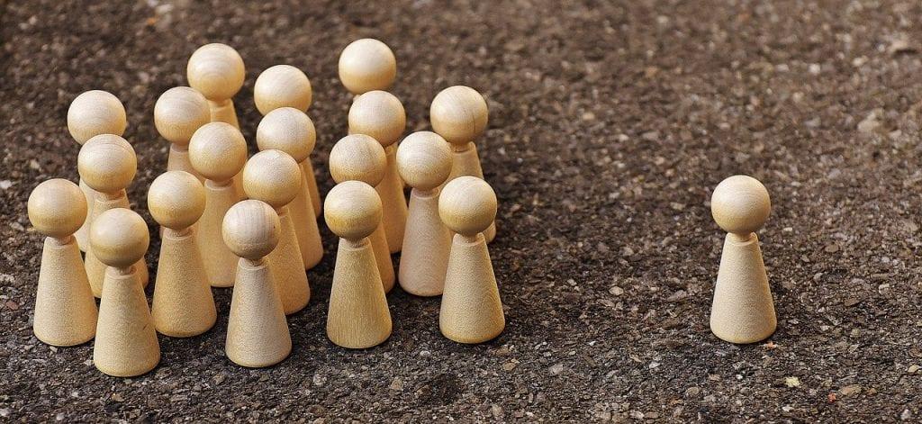 Le micro-influenceur est suivit par des une communauté fidèle et engagé